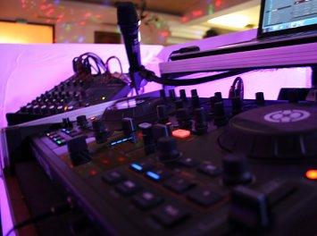 DJ CORR SI SOLISTE NUNTA Nunta Bacau